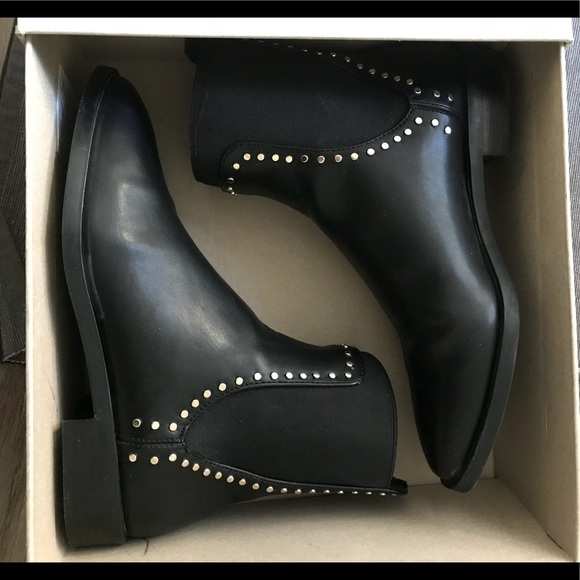 a475482e79d ZARA Flat Ankle Boots with Studs